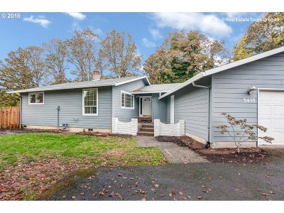 Milwaukie Single Family Home For Sale: 5435 SE Clayson Ave