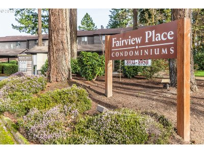 Portland Condo/Townhouse For Sale: 8934 SW Fairview Pl