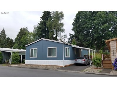Milwaukie Single Family Home For Sale: 16921 SE 80th Pl