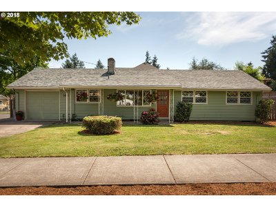 Beaverton Single Family Home For Sale: 5560 SW 166th Ave