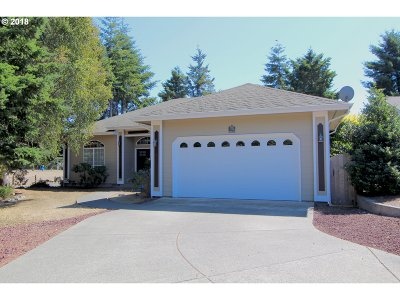 North Bend Single Family Home For Sale: 2315 Oregon