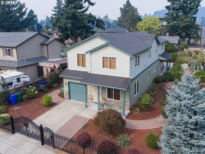 Multnomah County Multi Family Home For Sale: 10345 SE Long St