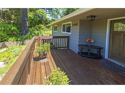 Portland Single Family Home For Sale: 11858 SW Lesser Rd