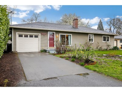 Portland Single Family Home For Sale: 1802 NE 125th Ave