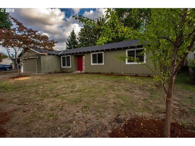 Aloha Single Family Home For Sale: 20270 SW Deline St