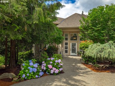 Lake Oswego Single Family Home For Sale: 3710 Marquis Ct