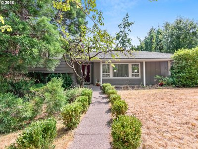 Beaverton Single Family Home For Sale: 12730 SW Scout Dr