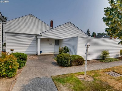 Beaverton Single Family Home For Sale: 6055 SW Erickson Ave