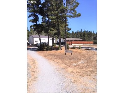 Bandon Single Family Home For Sale: 88786 Hwy 42