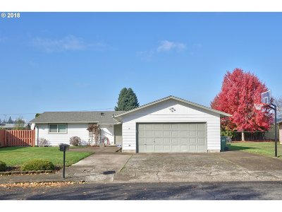 Woodburn Single Family Home Sold: 1165 Greenview Dr