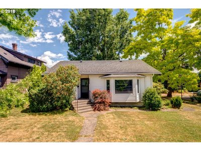 Single Family Home Sold: 3055 SE Washington St