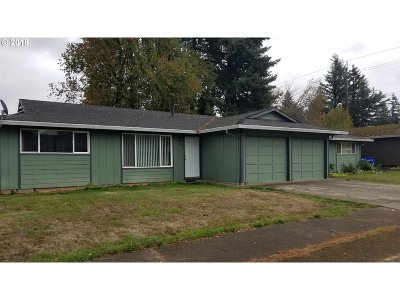 Clackamas County, Multnomah County, Washington County Multi Family Home For Sale: 520/524 NE 185th Pl