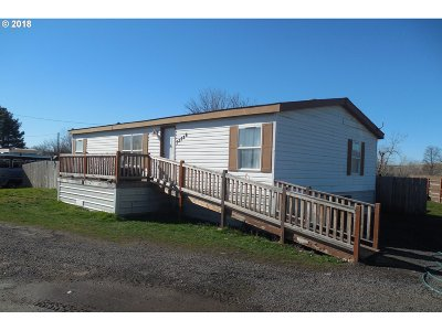 Pendleton Single Family Home For Sale: 73586 Davis Ln