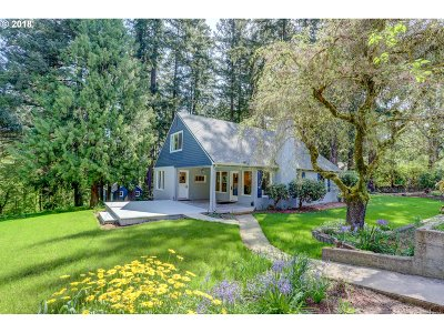 Portland Single Family Home For Sale: 8000 SW 54th Ave