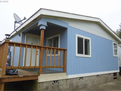 Coos Bay Single Family Home For Sale: 63650 Martin Dr