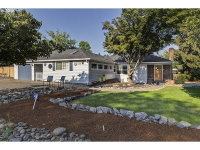 Portland Single Family Home For Sale: 13706 NW Pioneer Rd