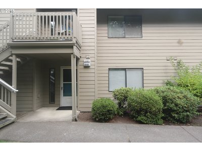 Eugene Condo/Townhouse For Sale: 1951 Lake Isle Dr