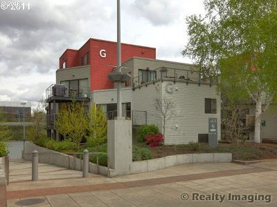 Condo/Townhouse For Sale: 820 NW Naito Pkwy #G6