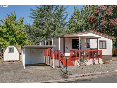 Eugene Single Family Home For Sale: 4900 Royal Ave #SP74