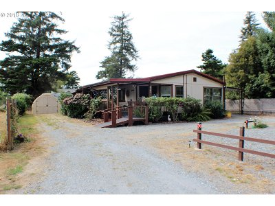 Bandon Single Family Home For Sale: 1070 June Ave SE