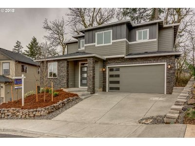 Washougal Single Family Home For Sale: 881 50th St