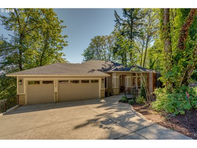 Lake Oswego Single Family Home For Sale: 17596 Green Bluff Dr