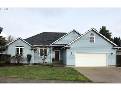 Hucrest Single Family Home For Sale: 1182 NW Riverfront Dr