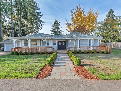 Keizer Single Family Home For Sale: 3105 Willamette Dr