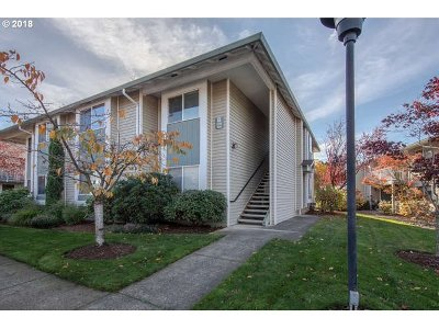 Gresham Condo/Townhouse For Sale: 4832 W Powell Blvd #204