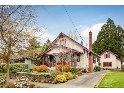 Portland Single Family Home For Sale: 3914 SE 9th Ave
