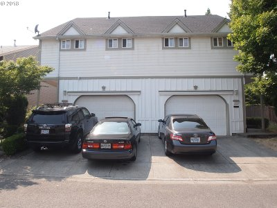 Multi Family Home Pending: 3925 SW Pinewood Way