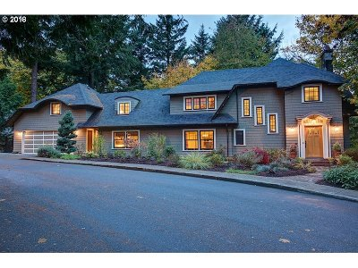 Portland Single Family Home For Sale: 2241 SW Montgomery Dr