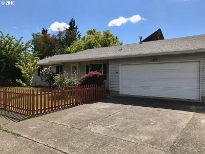 Hillsboro, Cornelius, Forest Grove Single Family Home For Sale: 255 S 5th Ave