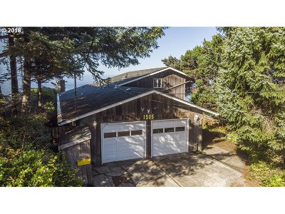 Lincoln City Single Family Home For Sale: 1505 SW Coast Ave