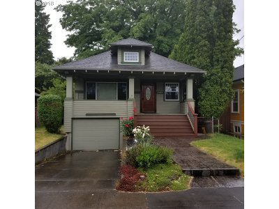 Portland Single Family Home For Sale: 1737 SE 45th Ave
