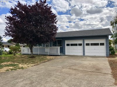 Woodburn Single Family Home For Sale: 1600 Ecola Way