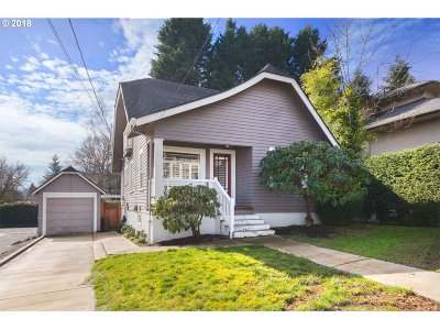 Portland Single Family Home For Sale: 16 SW Boundary St