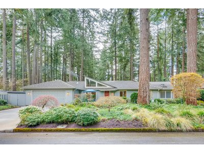 Lake Oswego Single Family Home For Sale: 4846 Redwing Way
