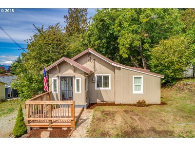 Kalama Single Family Home For Sale: 364 Juniper St