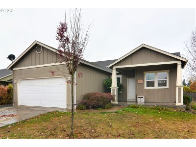 Cottage Grove, Creswell Single Family Home For Sale: 911 N 1st St