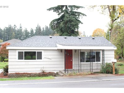 Clackamas County Single Family Home For Sale: 7720 SE Roots Rd