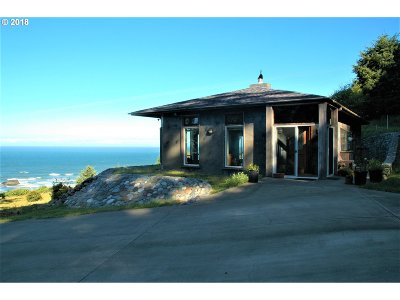 Gold Beach Single Family Home For Sale: 25473 Cape View Loop