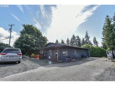 Coos Bay Single Family Home For Sale: 2525 Koos Bay Blvd