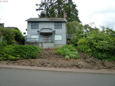 Lake Oswego Single Family Home For Sale: 57 View Ct