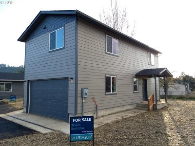 Sutherlin Single Family Home For Sale: 1464 E Central Ave