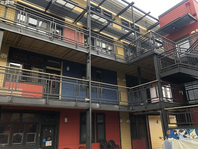 Condo/Townhouse For Sale: 2525 N Killingsworth St #211