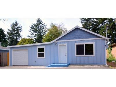 Portland Single Family Home For Sale: 2165 SE 141st Ave