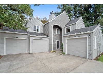 Lake Oswego Condo/Townhouse For Sale: 5225 Jean Rd #513