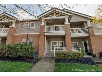 Wilsonville Condo/Townhouse For Sale: 30410 SW Rebekah St #32