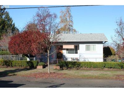 Multnomah County Single Family Home For Sale: 7431 NE Failing St